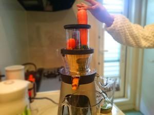 コールドプレスジュースを作ってます
