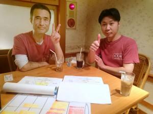 """森口さんと金田さんに新版「""""商い""""デザイン」を説明です"""