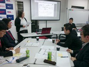 あきない実践道場での6ヶ月の学びを発表する髙羽さん