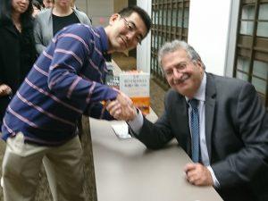 著書にキーガン教授のサインをいただきました!