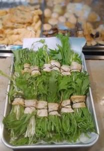 お客さんの注文の声を待つ「水菜」