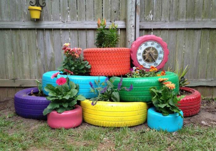 как оформить клумбу во дворе