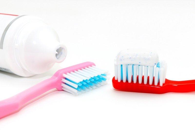 сколько нужно зубной пасты на щетку