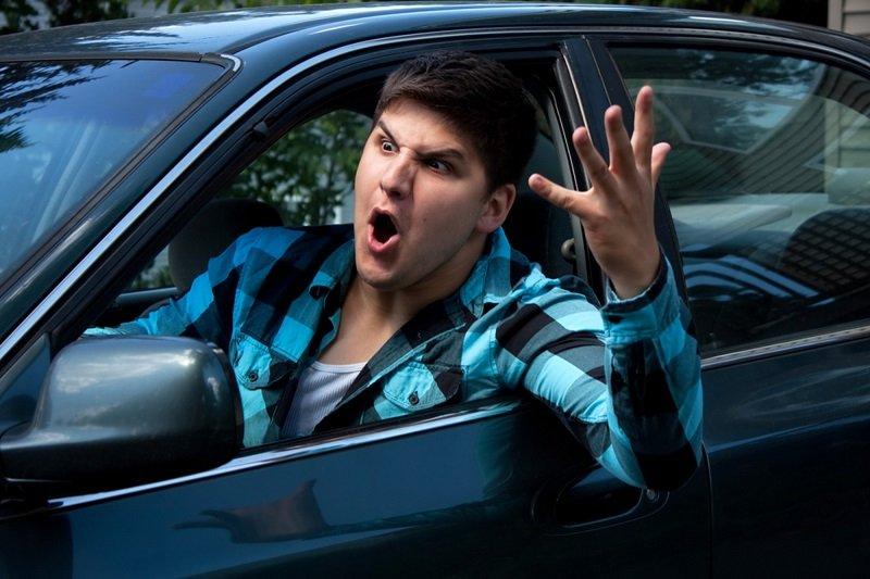 провоцируют водителя