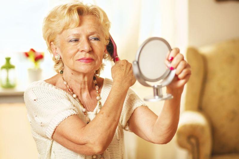 пожилые женщины на английском языке