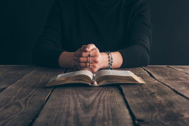 Сильная молитва о матери, которую должны знать праведные дети