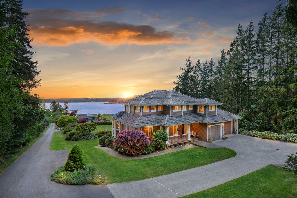 Luxury real estate photographer in Olympia