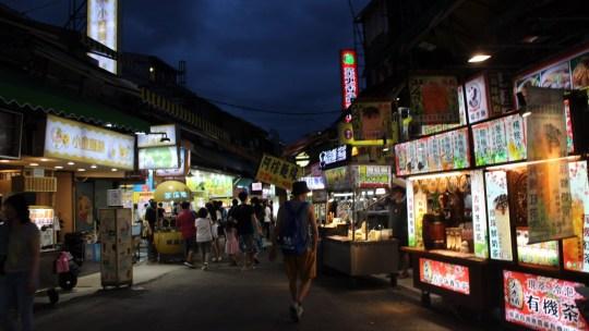 【台湾食い倒れ旅 6日目 一生忘れられない餃子と士林夜市】