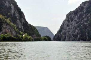 Intram in defileul Dunarii
