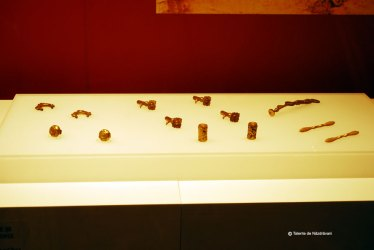 Accesorii pentru care si harnasament din bronz aurit Dinastia Han - 206 i.Ch. - 220 d.Ch.