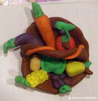 Fructe și legume de primăvară, modelaj din plastilină