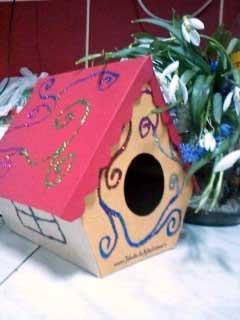 Căsuță pentru păsărele din carton