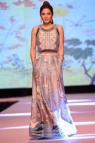 ayesha omer pakistani female model
