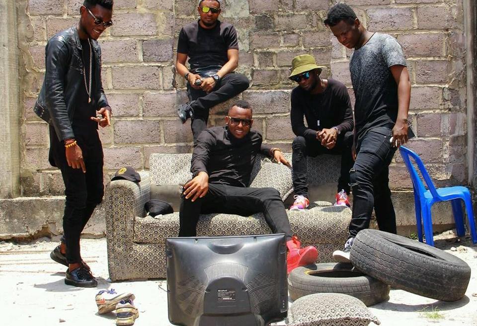 Le groupe Bote r  dévoile le premier extrait de la mixtape «Evasion» , «Sors au nom de..»