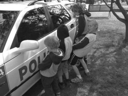 kreatív írás képről rendőrautó
