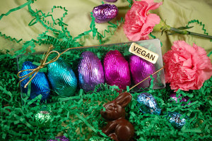 Organic_Fair_Trade_Vegan_Chocolate_Cream_Egg_Box-large