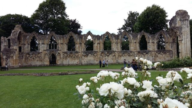 York Museum Gardens - A Backpacker's Guide to York on a Budget
