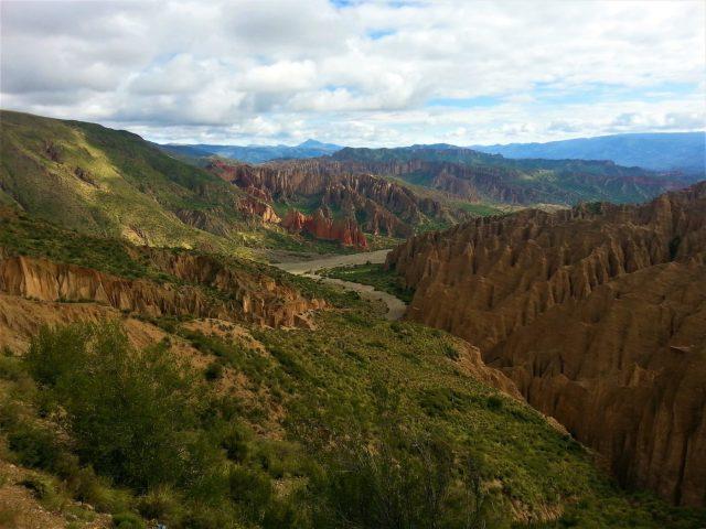 Uyuni Salt Flats: El Salar de Uyuni Tour in Bolivia - Rock Formations in el Sillar