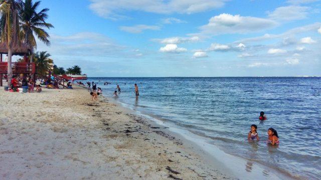 Playa el Niño opposite the Mermaid Hostel Beach in Cancun