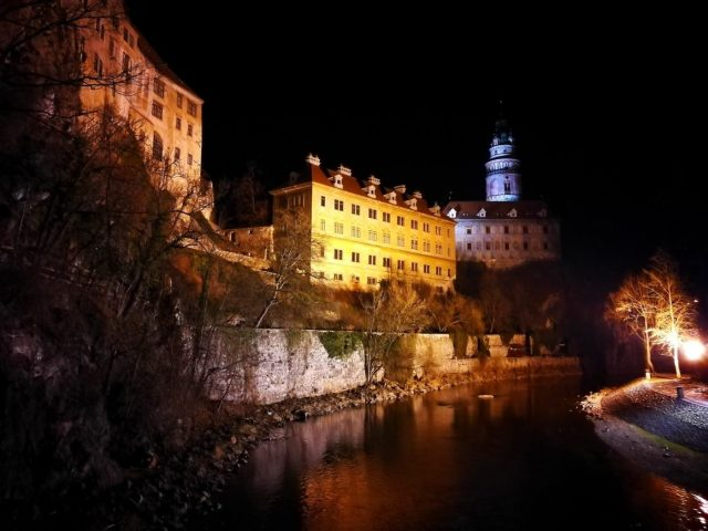 Cesky Krumlov Castle by Night - Stay longer in Cesky Krulmov to enjoy the evening