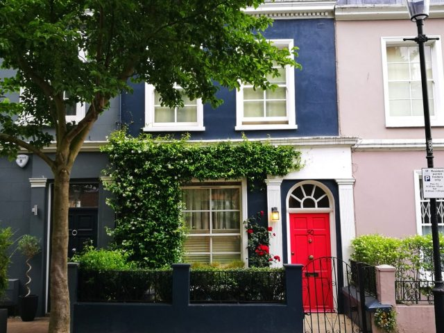 Pretty Houses in Notting Hill - London in 2 days itinerary