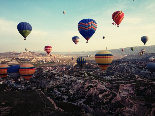 Hot Air Balloons - Gift Experiences for travellers