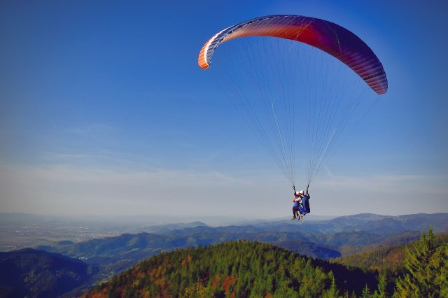 A Paragliding Gift Experience is an adventurous gift!