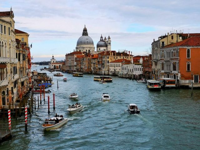 The Best Place to Stay in Venice on a Budget – Wombat's City Hostel Venice Mestre