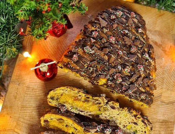 Vegan Dutch Christmas Bread (Kerststol)
