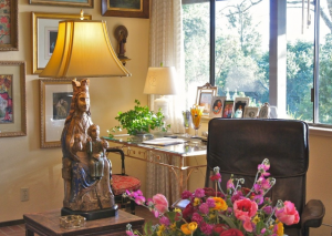 tips for antique lighting and decor