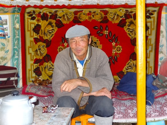 yak herders mongolia 3