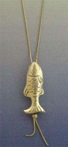 colgante pez de plata