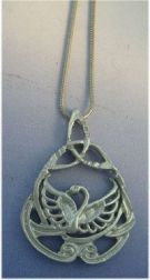cisne de plata amuleto celta