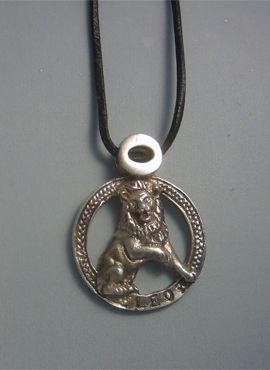 colgante horóscopo leo amuleto zodiacal de plata