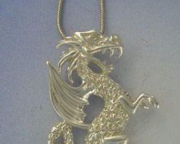 colgante dragón San Jorge amuleto colgante de plata de ley