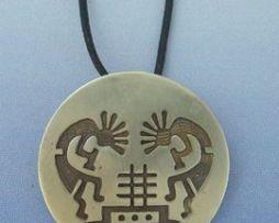 colgante kokopellis danza de la fertilidad en plata de ley