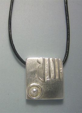 colgante sello maya mano kin manik plata