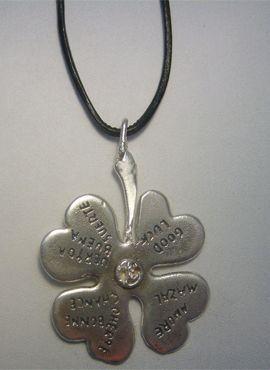 trébol de plata de cuatro hojas de plata