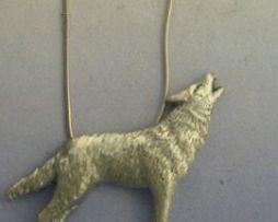 colgante lobo de plata