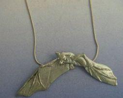 colgante murciélago de plata
