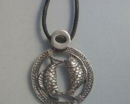 colgante horóscopo piscis zodiaco de plata
