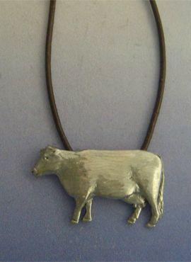 colgante vaca plata amuleto con cordón piel