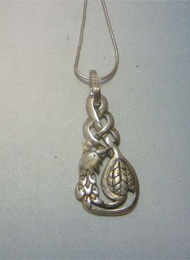 colgante nudo celta pájaro de cliodhna amuleto celta de plata