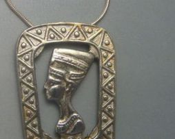 colgante Nefertiti Amarnacolgante de plata de ley cadena de plata