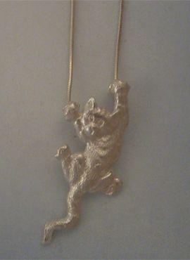 colgante gato de plata amuleto de la fortuna