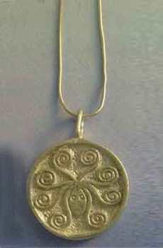 colgante gorgona amuleto greco romano de plata