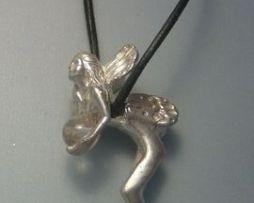 colgante hada ondina del agua amuleto de plata conn cuarzo