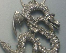 colgante dragón coreano yong amuleto de plata