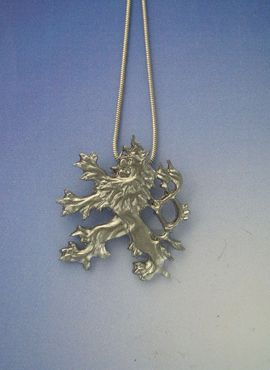 colgante de león de doble cola de plata