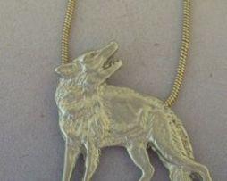 colgante lobo rojo de plata de ley